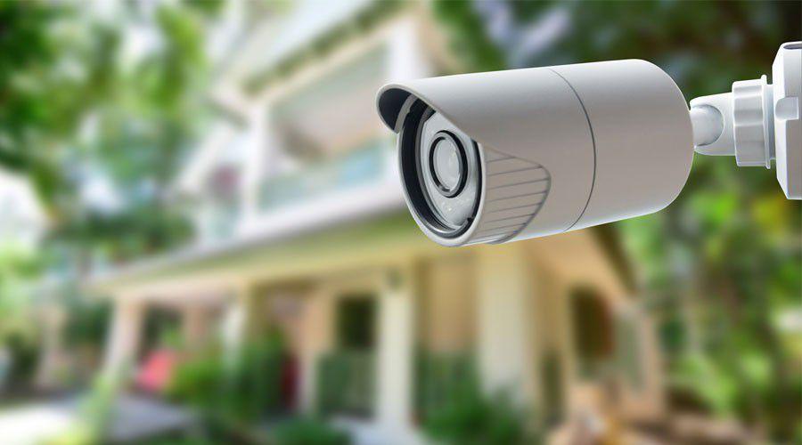 70a767905acfbd Avez-vous besoin d une caméra de surveillance facile à installer et qui  diffusera des images vidéo en direct directement sur votre smartphone ou  votre ...